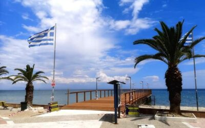 Repair works in Paralia's peer